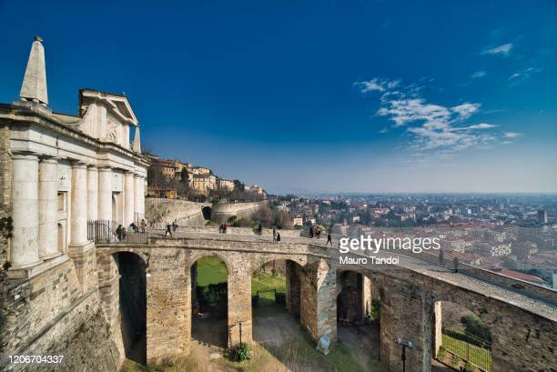 porta san giacomo, bergamo, italy - mauro tandoi stock pictures, royalty-free photos & images