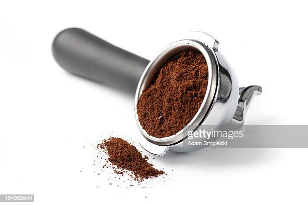 portafilter with ground coffee