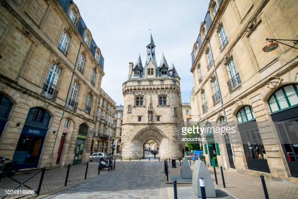 porte cailhau, cailhau gate, bordeaux, france - gironde stock pictures, royalty-free photos & images