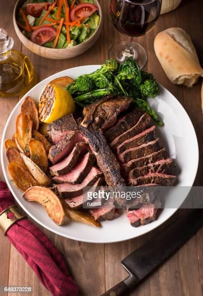 bistecca porterhouse - bistecca alla fiorentina foto e immagini stock