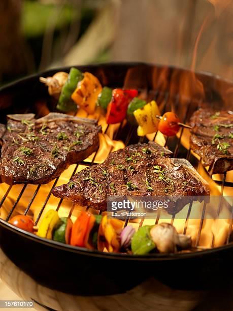Bistec de costillar con verduras brochetas
