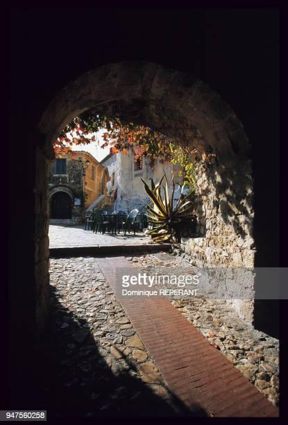 Porterie médiévale du village d'Eze France