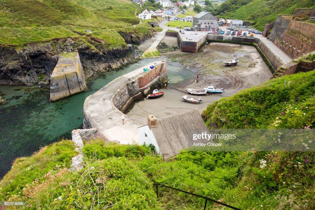 Porthgain harbour, Pembrokeshire, Wales, UK. : Stock Photo