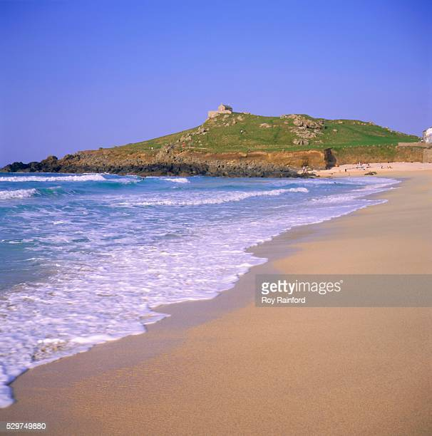 porthmeor beach, st ives, cornwall, england, uk - st ives stock pictures, royalty-free photos & images