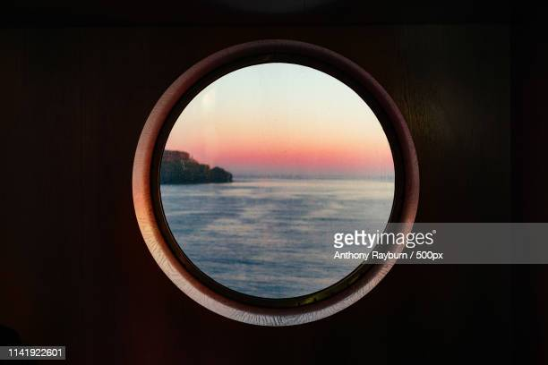 porthole - images stock pictures, royalty-free photos & images