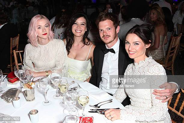 Portia Freeman Daisy Lowe Richard Jones and Sophie EllisBextor attend a gala dinner and auction to celebate the end of the Cash Rocket tour at...