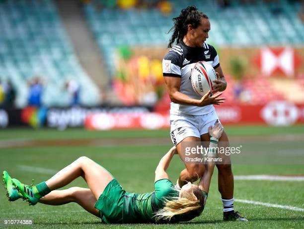 Portia Woodman of New Zealand attempts to break away from the defence in the quarter final match against Ireland during day two of the 2018 Sydney...
