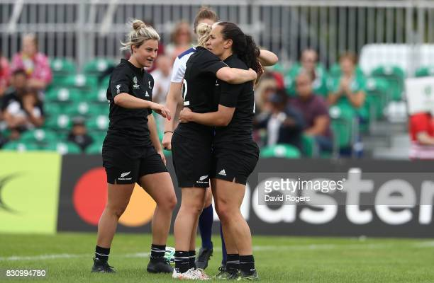 Portia Woodman of New Zealand celebrates with team mates after scoring a try during the Women's Rugby World Cup 2017 match between New Zealand and...