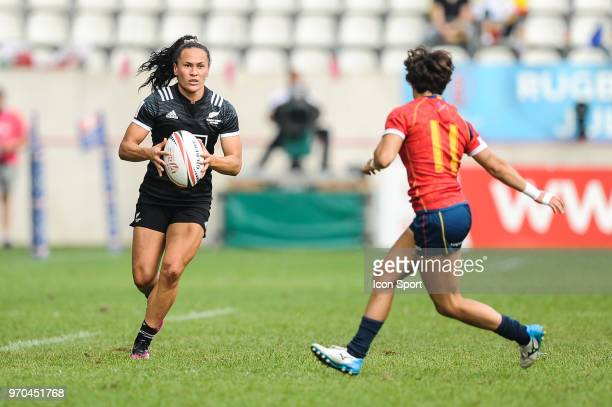Portia Woodman of New Zealand during match between New Zealand and Spain at the HSBC Paris Sevens stage of the Rugby Sevens World Series at Stade...