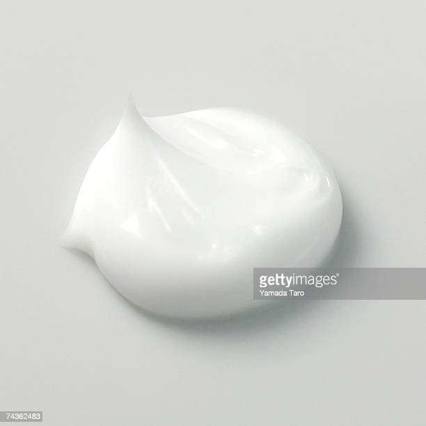 portion of white cream, close-up - moisturiser stock pictures, royalty-free photos & images