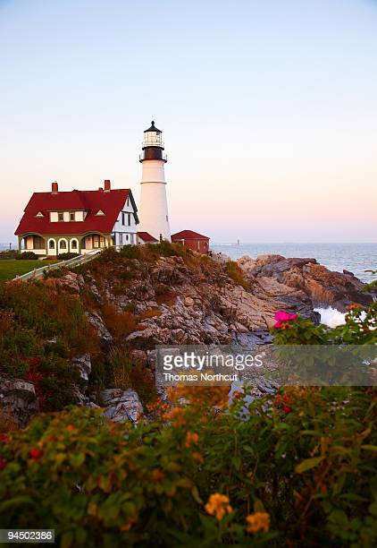portland head lighthouse at susnet, vertical - portland maine stock pictures, royalty-free photos & images