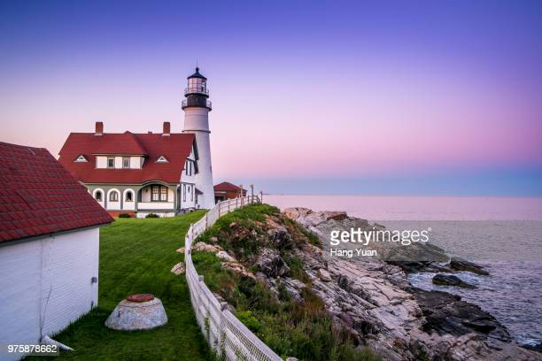 portland lighthouse standing on cliff, portland, maine, usa - portland maine stock pictures, royalty-free photos & images