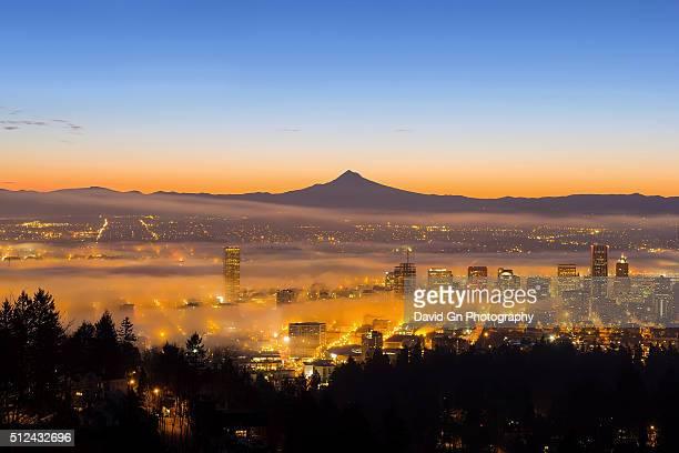 portland oregon cityscape at dawn - portland oregon stock photos and pictures
