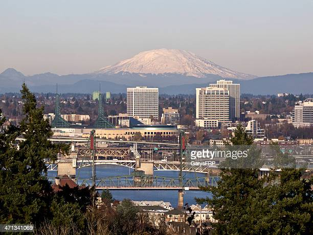 portland oregon willamette river bridges city skyscrapers mt st helens - mount st. helens stock pictures, royalty-free photos & images