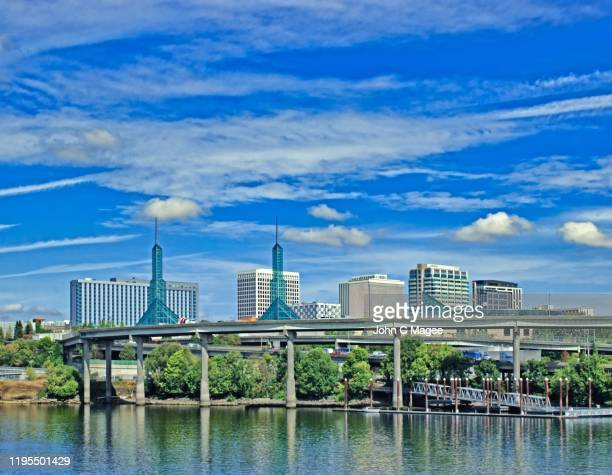 portland river cityscape - portland oregon stock pictures, royalty-free photos & images