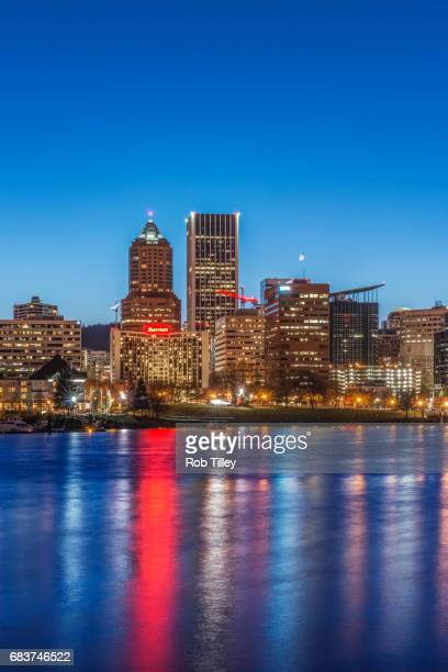 portland skyline at twilight - willamette river stock photos and pictures