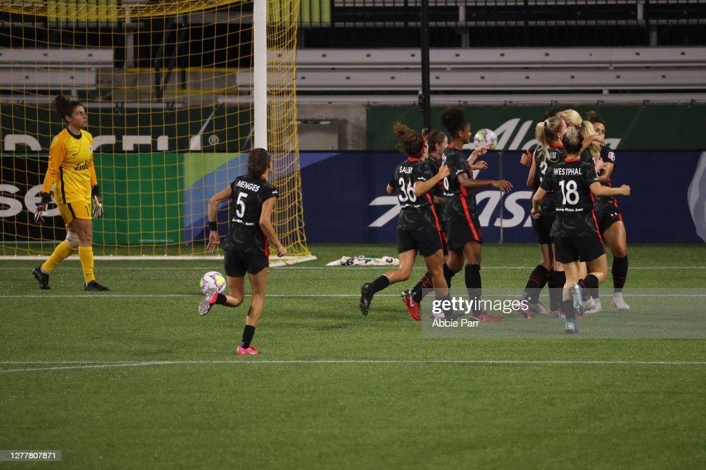 OL Reign v Portland Thorns FC : News Photo