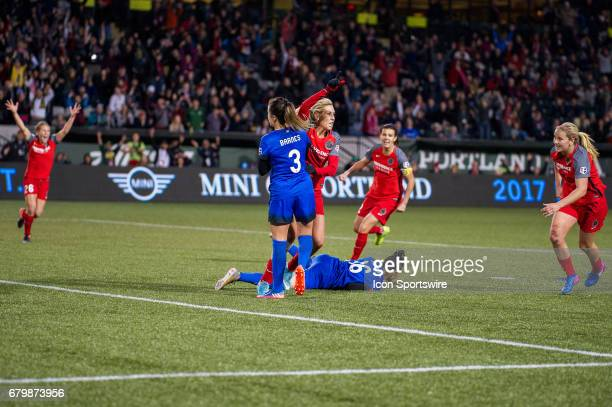 Portland Thorns midfielder Allie Long's header tallies the final goal of the 22 tie between Portland Thorns match and the Seattle Reign on May 6 at...