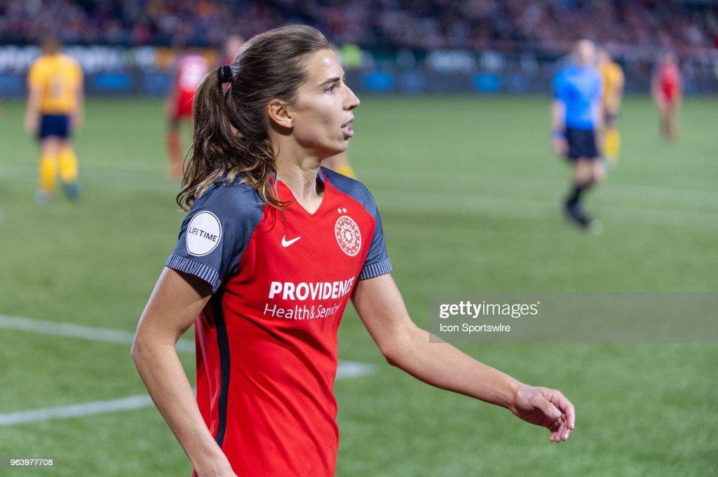 Portland Thorns midfielder Tobin Heath walks to the corner for a corner kick during the second half of the Portland Thorns 2-0 victory over the Utah Royals on May 25, 2018, at Providence Park, Portland, OR.