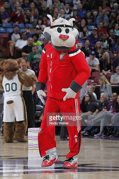 Portland Trail Blazers mascot Blaze the Trail Cat excites the crowd during the game between the Portland Trail Blazers and Sacramento Kings on March...