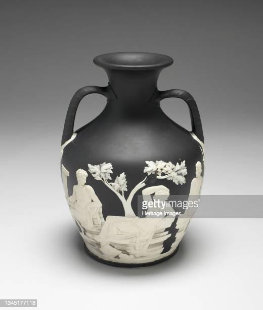 Portland Vase, Burslem, 1790/96. Artist Wedgwood.