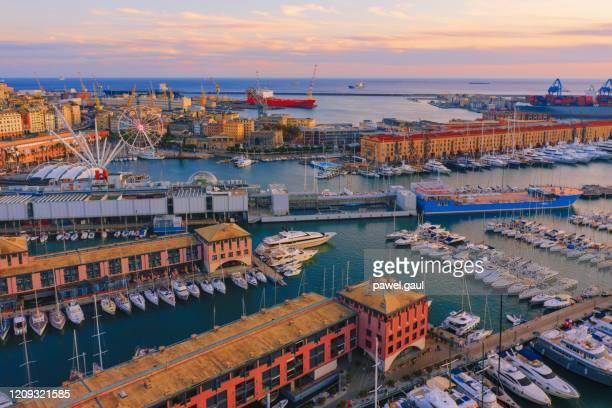 ポルト アンティコ オールド ポート ジェノヴァ イタリア空中写真 - イタリア ジェノヴァ ストックフォトと画像