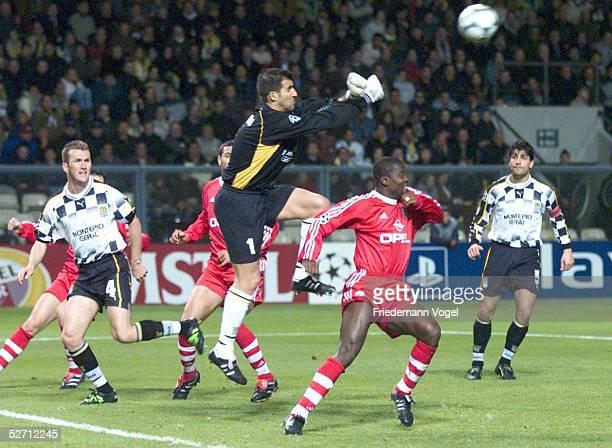 LEAGUE 01/02 Porto BOAVISTA PORTO FC BAYERN MUENCHEN 00 TORWART RICARDO/PORTO Samuel KUFFOUR/BAYERN