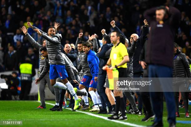 Porto celebrate victory during the UEFA Champions League Round of 16 Second Leg match between FC Porto and AS Roma at Estadio do Dragao on March 06...
