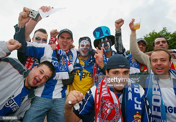 Porto fans prepare for the UEFA Champions League Final match between AS Monaco and FC Porto at the AufSchake Arena on May 26, 2004 in Gelsenkirchen,...
