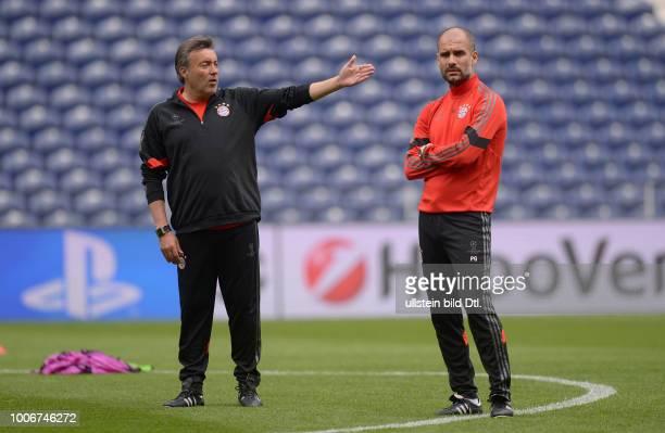 Porto FC Bayern Muenchen Abschlusstraining FC Bayern Muenchen im Stadion Dragao Trainer Pep Guardiola und CoTrainer Domenec Torrent