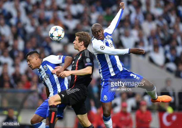 Porto FC Bayern Muenchen Alex Sandro und Bruno Martins Indi gegen Thomas Mueller