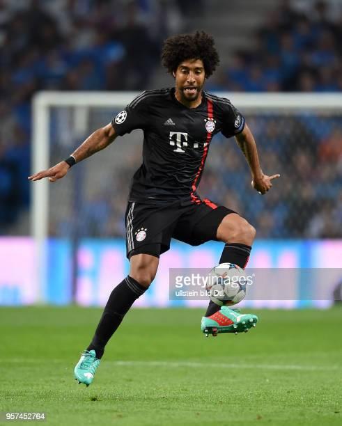 Porto FC Bayern Muenchen Dante am Ball