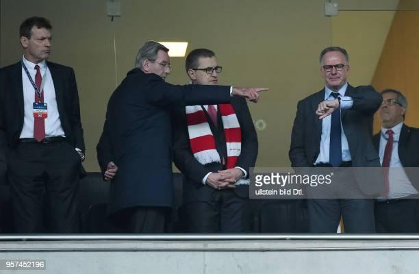 Porto FC Bayern Muenchen FC Bayern Muenchen Vorstang nachdenklich Stellvertretender Vorstand Andreas Jung Praesident Karl Hopfner Finanzvorstand...