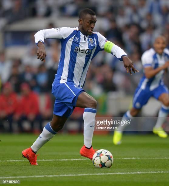 Porto FC Bayern Muenchen Jackson Martinez am Ball