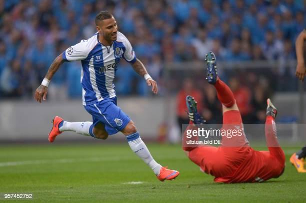 Porto FC Bayern Muenchen Ricardo Quaresma jubelt nach seinem Elfmetertor jubelnd ab