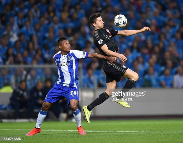 Porto FC Bayern Muenchen Robert Lewandowski gegen Alex Sandro