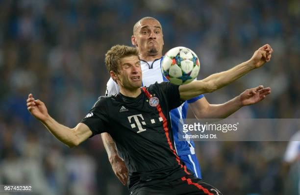 Porto FC Bayern Muenchen Thomas Mueller gegen Maicon