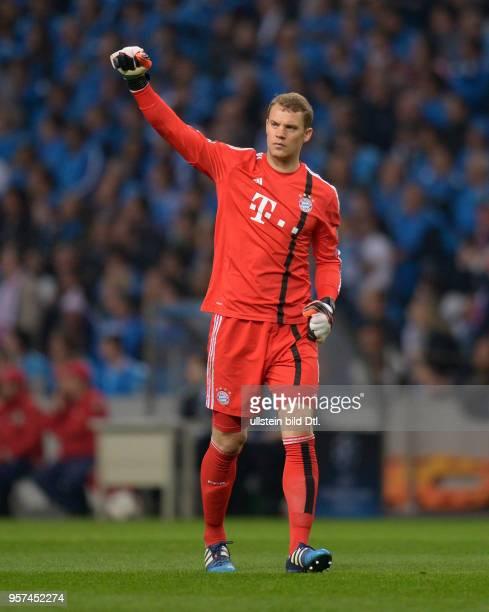Porto FC Bayern Muenchen Torwart Manuel Neuer ballt nach dem 12 die Faust