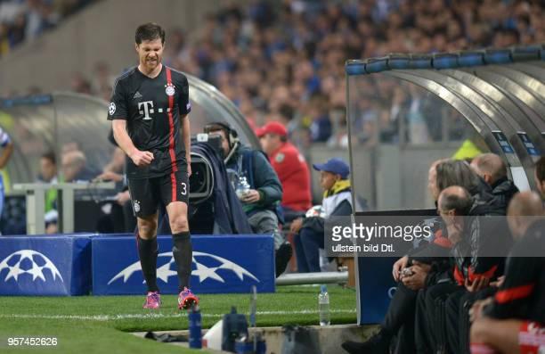Porto FC Bayern Muenchen Xabi Alonso ist enttaeuscht