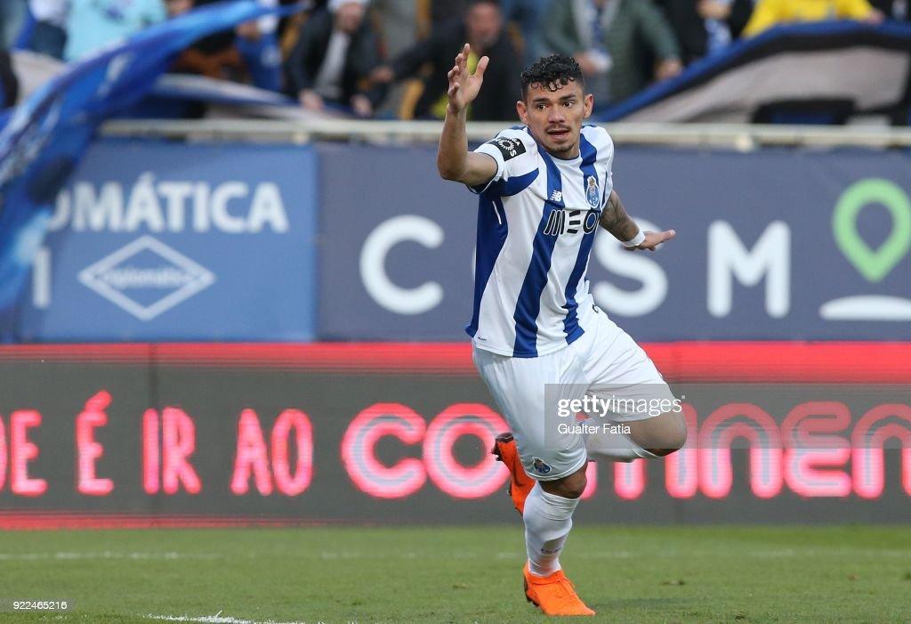 GD Estoril Praia v FC Porto - Primeira Liga : Fotografía de noticias