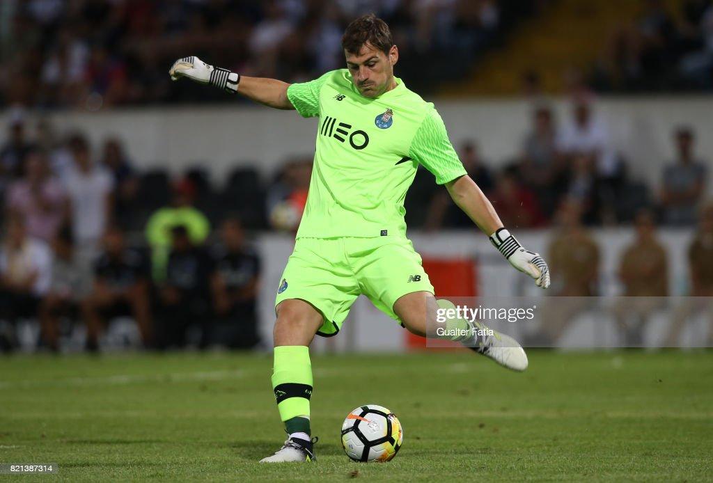 Fotos e imagens de Vitoria Guimaraes v FC Porto - Pre ...
