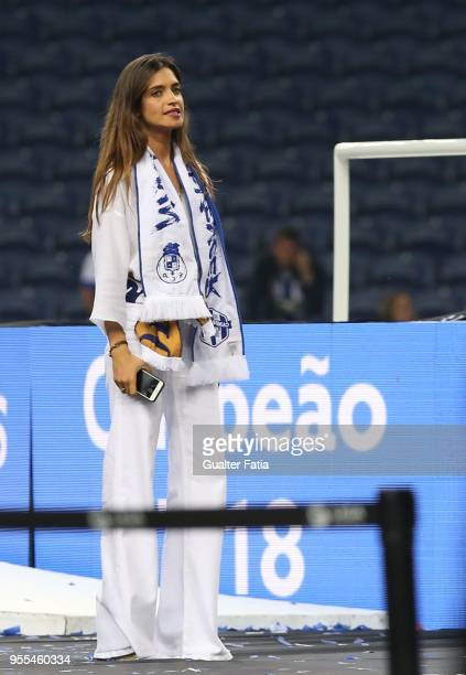 Porto goalkeeper Iker Casillas from Spain wife Sara Carbonero during FC Porto Championship celebrations at the end of the Primeira Liga match between...