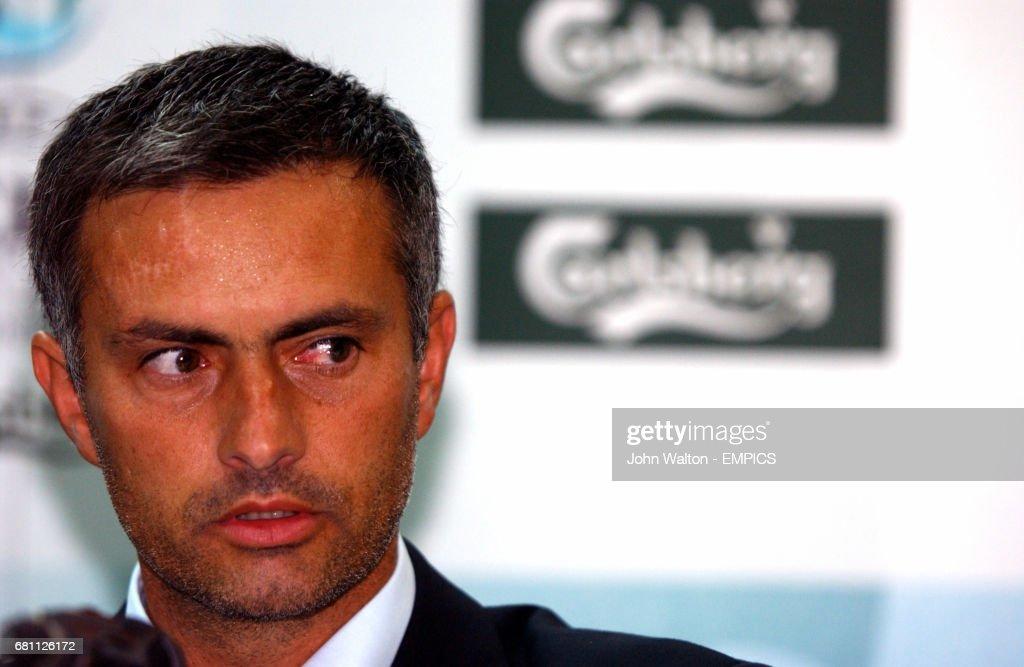 Soccer - UEFA Super Cup - FC Porto v AC Milan : News Photo