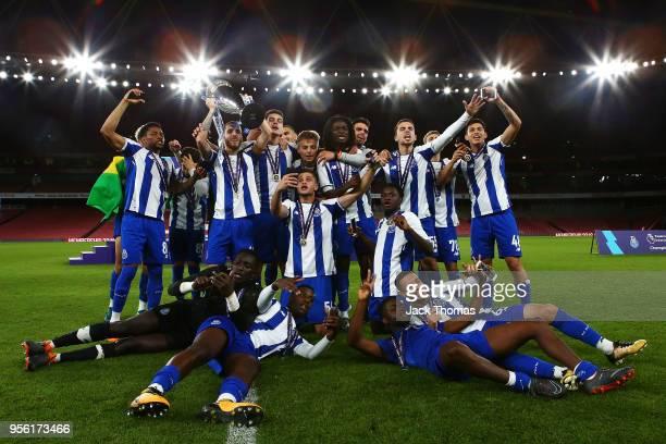 Porto U23 celebrate winning the Premier League International Trophy between Arsenal U23 and Porto U23 at Emirates Stadium on May 8 2018 in London...