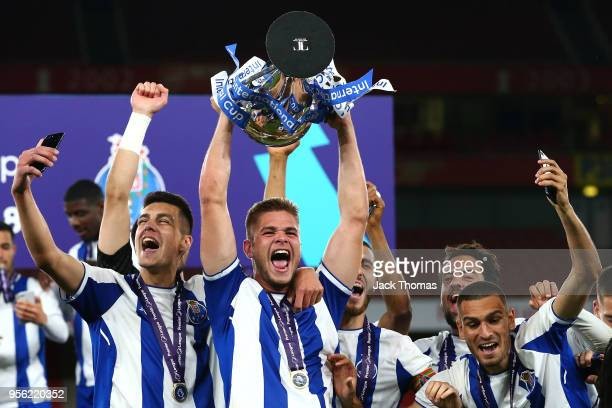 Porto U23 celebrate winning the Premier League International Trophy between Arsenal U23 and Porto U23 at Emirates Stadium on May 8 2018 in London...