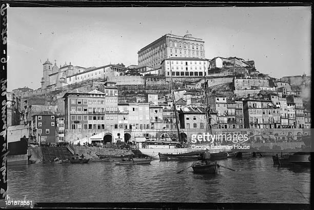 Porto Vue generale et palais episcopal, between 1900 and 1919.