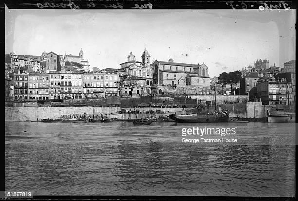 Porto vue sur le Douro, between 1900 and 1919.