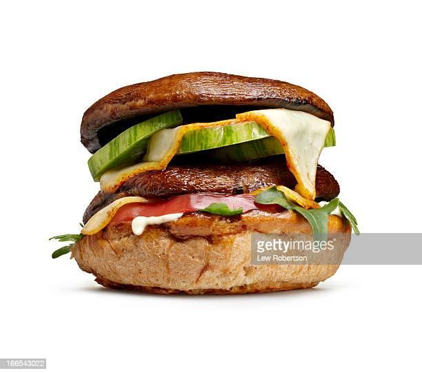 portobello mushroom burger - veggie burgers stock pictures, royalty-free photos & images