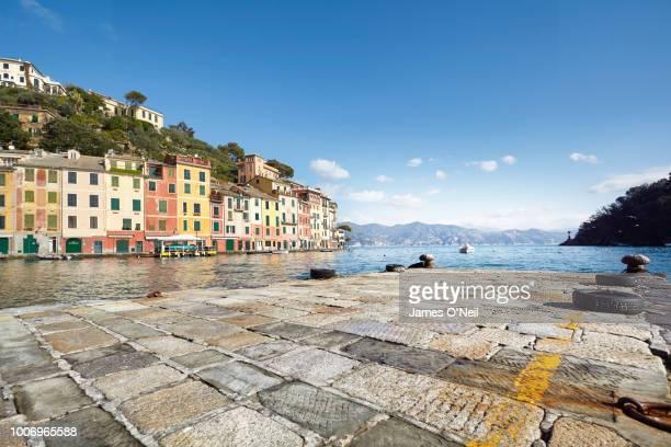 portofino, ligurian, italy - costa caratteristica costiera foto e immagini stock