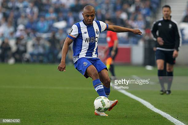Porto's Algerian forward Yacine Brahimi in action during the Premier League 2015/16 match between FC Porto and Sporting CP at Drag��o Stadium in...